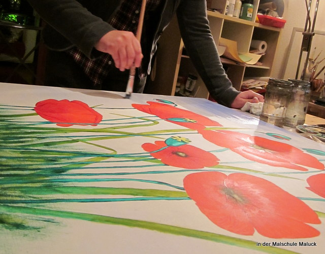07 Ein Mohnbild in Acrylfarbe entsteht in der Malschule Maluck